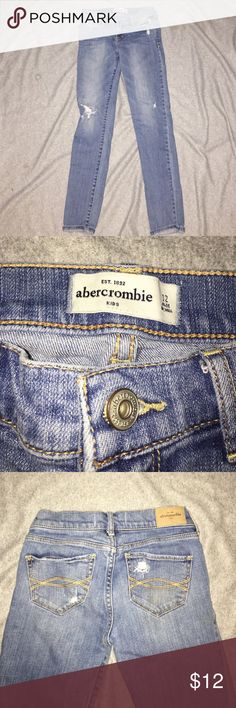 Abercrombie kids light wash skinny jeans Abercrombie kids light wash distressed skinny jeans . Have been worn only twice and is in great condition . abercrombie kids Bottoms Jeans
