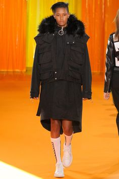 Off-White Fall 2016 Menswear Fashion Show