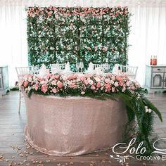 Atunci cînd doriți sa atrageți în totalmente toată atenția spre miri, cea mai perfecta alegere este sa optați la un panou și compoziție floristică vie. 🌸🌿🍃  #solodecormd #decor #decoration #flowers #flowersdecoration #instaflowers #weddingdecor #weddingflowers #nunta #nuntadecor #nuntainmoldova  #florist #weddingflorist #weddingfloristry #floristry #weddingdecorator #decorator #instaflorist #flowersmoments #floral Wedding Decorations, Table Decorations, Wreaths, Photo And Video, Creative, Instagram, Home Decor, Decoration Home, Door Wreaths