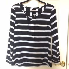 GAP Striped Blouse Size: XS/SMALL (will fit very oversized as a XS; best for those who wear SMALL or are between SMALL/MEDIUM) | black and white striped blouse. Two front breast pockets. 4 button neckline closure, single cuff button. 100% polyester | like new | NO SWAPS. FINAL SALE. GAP Tops Blouses
