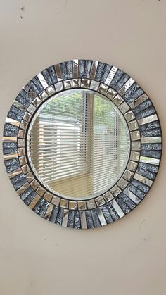 Mosaic Artwork, Mirror Mosaic, Mirror Art, Diy Mirror, Mosaic Glass, Mosaic Tiles, Glass Art, Mosaics, Mosaic Crafts