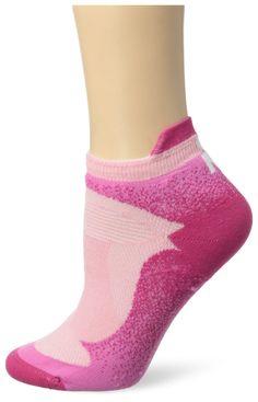 eb11945df2 Amazon.com  Wigwam Women s Ironman Flash Pro Low Cut Lightweight Running  Sock  Clothing