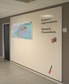 Whiteboard walls with a Softline profile. With our (white)board wall solutions you easily create endless writable and dry-erasable whiteboard surfaces. The whiteboard panels are made of highquality steel enamel. As a result, the panels are suitable for intensive use. The panels are magnetic and very durable. The walls are available in different sizes and writing surfaces: white enamel, green and grey chalk and grey metalic. The whiteboard walls can also be custom made.