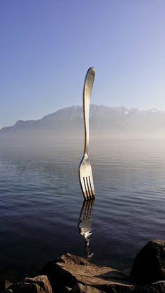 (✿◠‿◠) ❤ The fork sculpture at Vevey - Switzerland