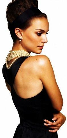 Natalie Portman #lookslike #audreyhepburn