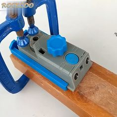 2 in 1 Genius Jig For Home Improvement GET MORE SAVE MORE! The Genius Jig is an amazing repair jig and exceptionally handy addition to any tool collection Easy to use and install Whether you're craw Kreg Tools, Carpentry Tools, Garage Tools, Diy Tools, Hand Tools, Woodworking Videos, Woodworking Projects, Woodworking Magazines, Woodworking Jigsaw