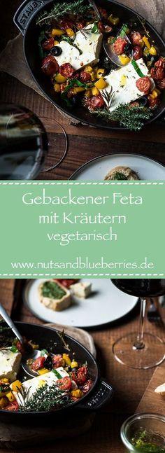 Gebackener Feta mit Tomaten und Kräutern. Dieses Rezept ist super schnell zubereitet und schmeckt lecker mit Baguette. Das Gemüse kann individuell angepasst werden. #feta überbacken #feta Rezept #rezept #feta #käse #käserezept Hygge, Italian Recipes, Hummus, Good Food, Baguette, Cheese, Super, Germany, Workout