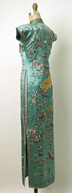 1932 silk cheongsam, side view