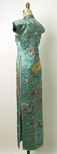 1932 silk cheongsam, side view