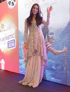 Indian Fashion Winters 2018-19: Sara Ali Khan's most notable looks from Kedarnath promotions. Inside the young