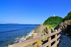 【徳島県 蒲生田岬】室戸阿南海岸国定公園内にあり、四国最東端に位置する蒲生田岬。展望台からは、阿波八景の一つ橘湾、絶壁が連なる阿南海岸、天気の良い日は淡路島や紀伊山地まで見渡せ、近くの蒲生田海岸はアカウミガメの産卵上陸地でもあります。 http://www.awanavi.jp/spot/2013032500828/ #Tokushima_Japan #Setouchi
