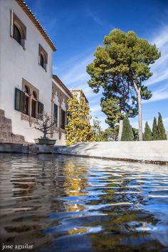 Hotel y Restaurante Masia La Mota ubicado en el Parque Natural Font Roja, Alcoy, Alicante, España
