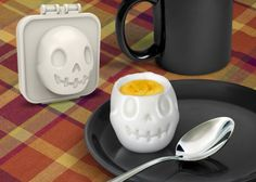 Egg-A-Matic Skull Egg Mold . . . but does it really work? And if it does is a skull your first choice of what you would like to mould?