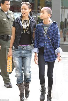 Willow got dat cute outfit go'n on