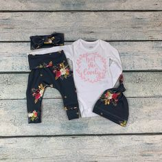 newborn girl coming home outfit/baby girl isn't she lovely floral set by bibitibobitiboutique on Etsy Newborn Headbands, Baby Girl Headbands, Baby Girl Newborn, Baby Girls, Toddler Girls, Girls Coming Home Outfit, Take Home Outfit, Newborn Outfits, Girl Outfits