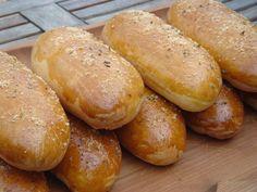 Nem vagyok mesterszakács: 15 legjobb szendvics zsemle, szendvics kifli, szendvicskenyér házi pékségemből Hot Dog Buns, Hot Dogs, Ring Cake, Bread Bun, Pretzel Bites, Scones, Hamburger, Biscuits, Muffin