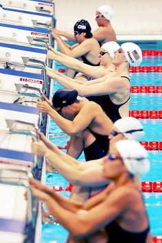 USA Swimmer Missy Franklin gets ready to compete in the Women's 100m Backstroke Heat 6.  Photo by Al Bello