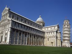 Piazza dei Miracoli, Pisa | 10 Most Famous Piazzas in Italy