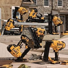 Dewalt cordless nailer line up will expand later this year Tool Belt Suspenders, Dewalt Power Tools, Mobile Workshop, Oscillating Tool, Carpenter Tools, Workshop Design, Cordless Tools, Construction Tools, Electrical Tools