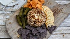 This cheese ball is for the pickle lover in your life. Save the recipe for Dill Pickle Cheese Ball! Cheese Ball Recipes, Appetizer Recipes, Appetizer Ideas, Walnuts Nutrition, Best Christmas Appetizers, Dessert Games, Balls Recipe, Yummy Snacks, Finger Foods
