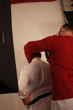 La filosofia del nostro salone di parrucchiere è quella di prendersi cura non soltanto dei capelli, ma soprattutto di chi li indossa, prestando attenzione alla forma, al colore e alle proposte dettate dalla moda, e offrendo la propria dedizione nella cura del capello stesso. Se desideri avere una consulenza gratuita sul look più adatto a te vienici a trovare. Il nostro salone si trova a Napoli in Via Foria 116. Per info chiama al numero 334-9884286