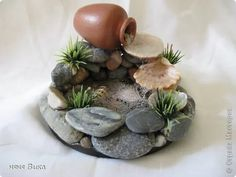 My Small Obsession promotes dollhouse miniatures and provides resources for beginners, enthusiasts, artisans and collectors. This web site offers free miniatur Diy Home Crafts, Garden Crafts, Diy Water Fountain, Homemade Water Fountains, Waterfall Fountain, Fairy Garden Furniture, Deco Nature, Mini Fairy Garden, Dish Garden