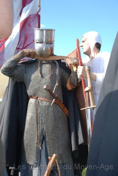 Medieval Knight, Medieval Armor, Knights Hospitaller, High Middle Ages, Armor Clothing, Armadura Medieval, Live Picture, Medieval Costume, European History