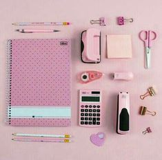 Back to School 💞💞 Stationary Store, Stationary School, School Stationery, Stationery Items, Cute Stationery, School Kit, School Hacks, Cool School Supplies, School Suplies