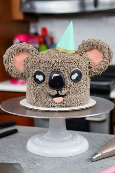 This adorable koala cake is made with moist chocolate cake layers and chocolate buttercream. It's just as cute as it is tasty! Chocolate Buttercream, Chocolate Cake, Buttercream Frosting, 3d Cakes, Fondant Cakes, Cake Batter, Frosting Recipes, Cake Recipes, Old Macdonald Birthday