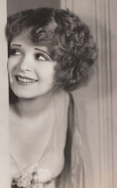 """"""" Her Wedding Night proved to be a watershed in Clara's screen career. In this film, she displayed a new permanent wave style and a different mode of outfits, in order to complete the break from her. Golden Age Of Hollywood, Vintage Hollywood, Classic Hollywood, Silent Film Stars, Movie Stars, Permanent Waves, Flapper Era, Clara Bow, Portraits"""