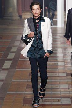 Lanvin - Spring 2015 Menswear - Look 44 of 45 Hippy Fashion, Urban Fashion, Paris Fashion, Lanvin, Vogue Paris, Style Vintage Hommes, Unisex Fashion, Mens Fashion, Fashion 2015