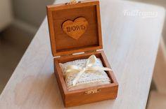 Коробочка для колец с котиками. Внутри — мягкая подушечка. #свадьба #кольца #wedding #rings #weddingdecor #шкатулка #коробочка #weddingbox