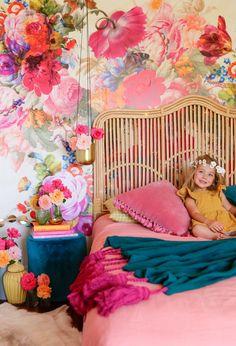 Kinderzimmer bold teal and pink floral wallpaper / little girls room, wallpaper Kids Room Design, Little Girl Rooms, Kid Spaces, Kids Decor, Decorating Kids Rooms, Decorating Ideas, Decor Ideas, Boy Decor, Decorating Kitchen