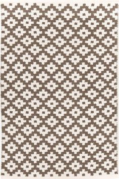 #DashAndAlbert Samode Charcoal/Ivory Indoor/Outdoor #Rug. Give your favorite space a dash of global glam with our all-new indoor/outdoor area rugs in a graphic pattern inspired by the Samode Palace in India.