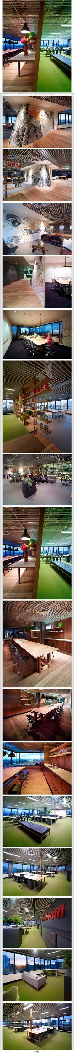 UrsaClemenger 헬스케어 광고에이전시 사무실 인테리어 Quick Look: UrsaClemenger's Sydney Offices   UrsaClemenger는 시드니에 위치한 헬스케어 광고 및 브랜딩 에이전시 입니다. 사무실 이전을 하며 인테리어를 리모델링 했습니다.  사무실 전체가 막혀있지 않고 오픈되어 있어 시원한 느낌을 주는 것 같습니다. 그리고 역시 최고는 직원들의 휴식공간이 아닌가 싶은데 키친(식당이라고 하기도 그렇고 탕비실이라고 하면 너무 옜날말 같고 해서)이 깔끔하게 넓은 테이블과 함께 위치 하고 있습니다.