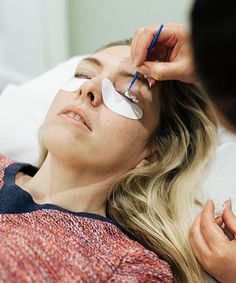 Yumi Lash Lift Review Nails And Brows | Yumi Lash Lift is billed as an alternative to perms and extensions. #refinery29 http://www.refinery29.com/yumi-lash-lift-review