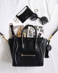 Pin by Exesie on Stylish Handbags in 2020 My Bags, Purses And Bags, Top Designer Handbags, Black Designer Bags, Designer Purses, Inside My Bag, What's In My Purse, Purse Essentials, What In My Bag