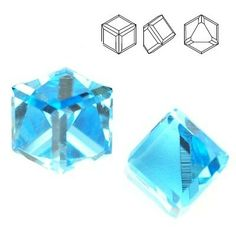 4841 Cube 4mm Aquamarine CAVZ  Dimensions: 4mm Colour: Aquamarine CAVZ 1 package = 1 piece