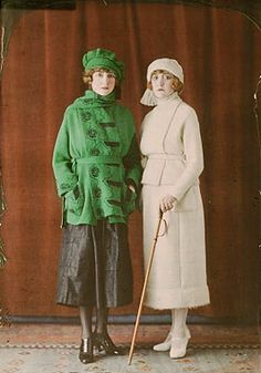 The autochromes of Salon du goût français (Exhibition of French Fashion) form an exceptional collection, which show the French luxury industry from 1921 to 20s Fashion, Fashion History, Fashion Photo, Vintage Fashion, Vintage Beauty, French Fashion, Ladies Fashion, Spring Fashion, Style Fashion