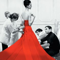 Dior and I brings the viewer inside the storied world of the Christian Dior fashion house with a privileged, behind-the-scenes look at the creation of Raf Simons' first haute couture collection as its new artistic director. Fashion Documentaries, Best Documentaries, Isabelle Huppert, Diana Vreeland, Christian Dior, Anna Wintour, Dior Couture, Couture Fashion, Raf Simons