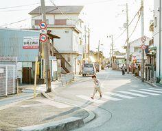 in steps / via hideaki hamada- Japan Film Photography, Street Photography, Hayao Miyazaki, Rei Ryugazaki, Rin Matsuoka, Japanese Photography, Japan Street, Japan Photo, Aesthetic Photo