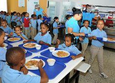 Al menos 31 estudiantes intoxicados al ingerir almuerzo escolar en Puerto Plata