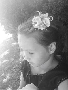 #BEhütet#kopfschmuck#headgear#handmade#designedby#stepahniestranzl#sis#haare#photo#by_sabrinastranzl Headgear, Pearl Earrings, Pearls, Handmade, Jewelry, Fascinators, Pearl Studs, Hand Made, Jewlery