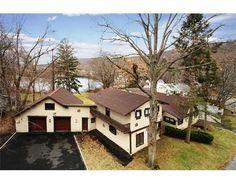 19 Murray Road, Greenwood Lake NY, 10925 $449,900   |  3 br, 3 ba , 3100 sq. ft.
