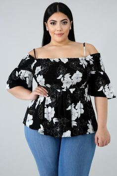 Buy plus size women's tops from Fashionmia. We have women's plus size fashion tops of many trendy styles and colors with cheap price. Curvy Women Fashion, Big Girl Fashion, Womens Fashion, Ladies Fashion, Look Plus Size, Plus Size Tops, Plus Size Fashion For Women, Plus Size Women, Women's Fashion Dresses