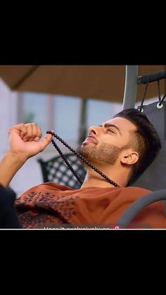 Punjabi Boys, Mens Photoshoot Poses, Best Profile Pictures, Swag Boys, Beard Styles For Men, Photography Poses For Men, Boys Dpz, Mp3 Song Download, Famous Singers