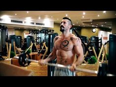 Fitness Training: Yuri Boyka (Undisputed) Training in The Gym – Workout Motivation Crossfit Gym, Crossfit Athletes, Back Day Workout, Crossfit Competitions, Bodybuilding Competition, Bodybuilding Motivation, Bodybuilding Workouts, Gain Muscle, Train Hard