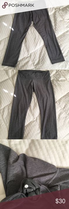 Wunder Under crops Wunder Under crops in comfy Luon fabric. Too big for me. Slight pilling, but otherwise good condition lululemon athletica Other