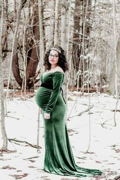 82c977daf4bb2 Chicaboo Maternity Dress | Maternity photography | Maternity Session |  Winter Session | Snow Session