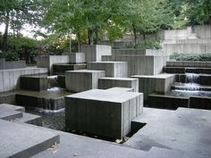 Brutalist fountain, Freeway Park, Seattle, Washington. Lawrence Halprin,